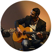raul guitarrista profesional